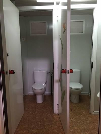 SANITARIA DE 6 WCS